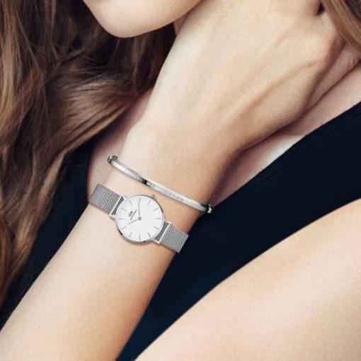DW00100220 dw watch4